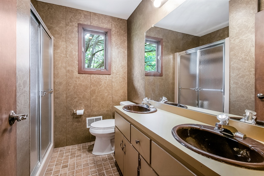 Real Estate Photography - 108 1/2 S Spring Valley Rd, Wilmington, DE, 19807 - Full Bathroom in Hall