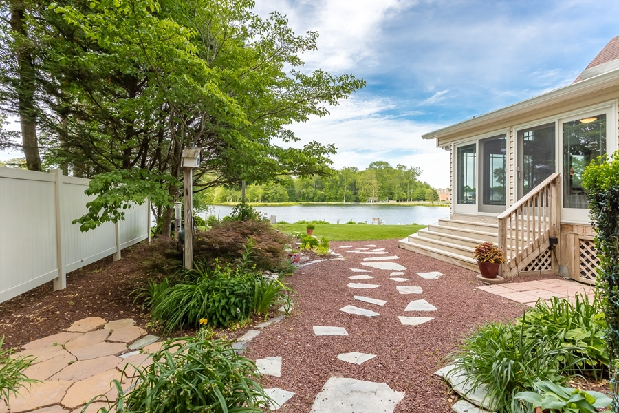 Real Estate Photography - 23125 Lakeview Dr, Millsboro, DE, 19966 - Lovely landscaped grounds