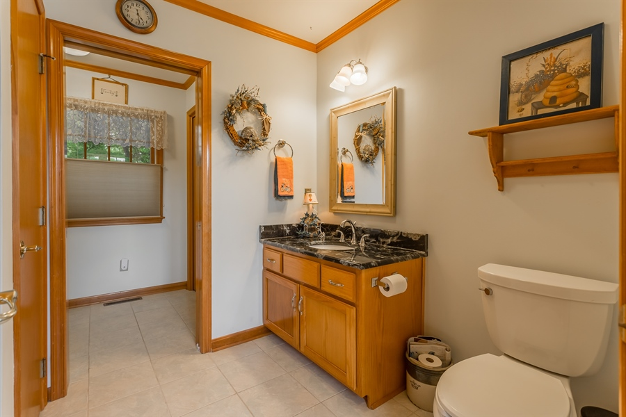 Real Estate Photography - 23125 Lakeview Dr, Millsboro, DE, 19966 - Downstairs guest full bath