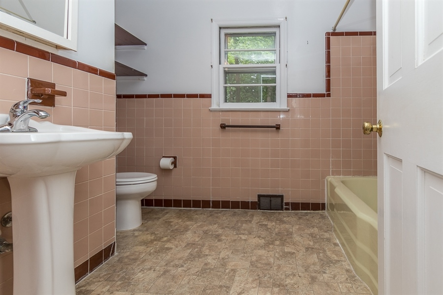 Real Estate Photography - 44 Indian Field Rd, Wilmington, DE, 19810 - Location 23