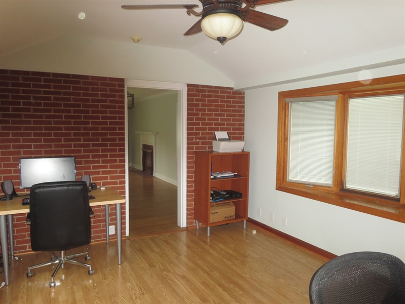Real Estate Photography - 228 Beverly Rd, Newark, DE, 19711 - Family Room