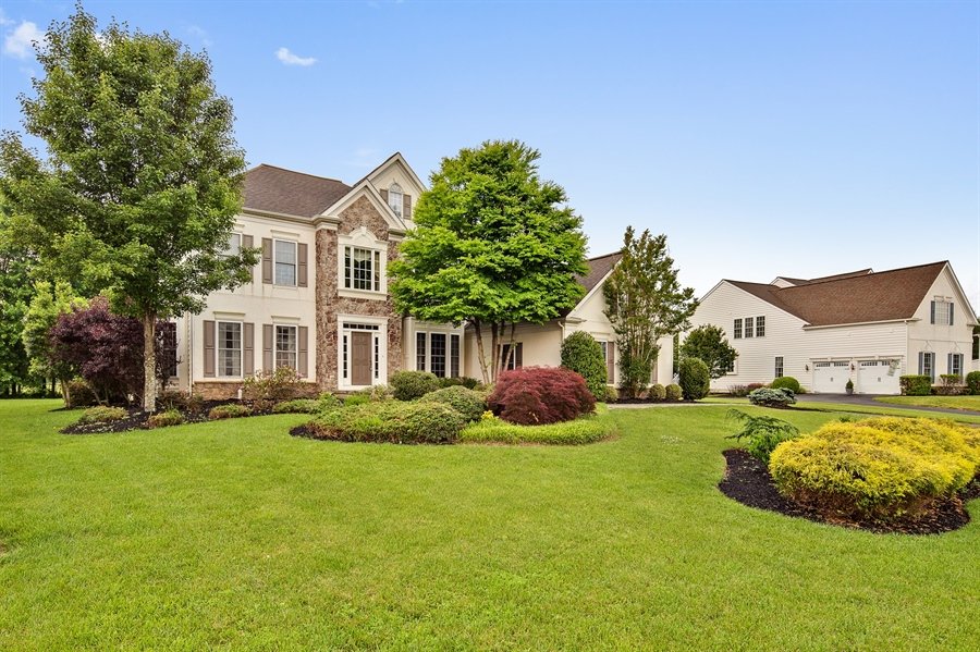 Real Estate Photography - 39 Hempstead Dr, Newark, DE, 19702 - Welcome to this +5000 Sq Ft Oasis