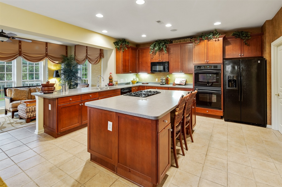 Real Estate Photography - 39 Hempstead Dr, Newark, DE, 19702 - Extra large Kitchen w/ Large Island