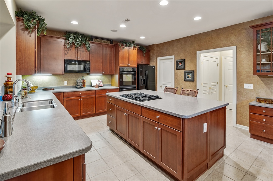 Real Estate Photography - 39 Hempstead Dr, Newark, DE, 19702 - Cabinets Galore...Walk in Pantry!