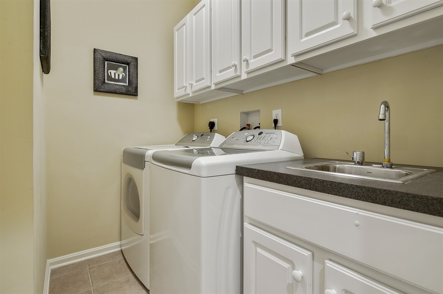 Real Estate Photography - 39 Hempstead Dr, Newark, DE, 19702 - Laundry Room w/Sink