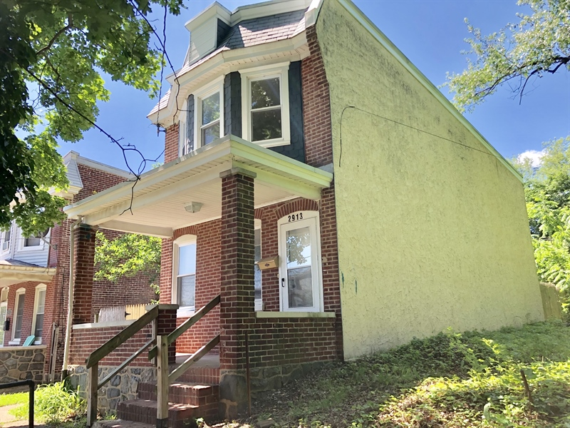 Real Estate Photography - 2913 N Jefferson St, Wilmington, DE, 19802 - Side View