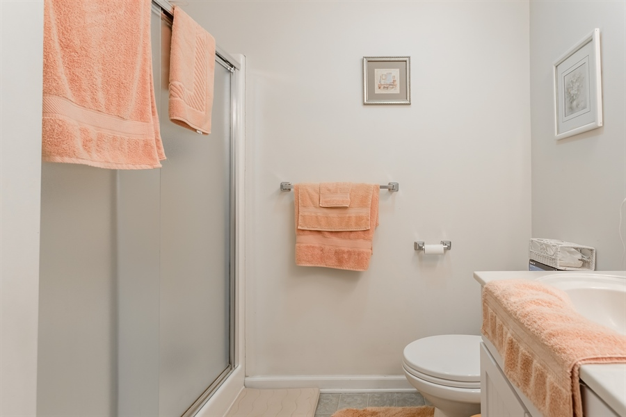 Real Estate Photography - 320 Clearbrooke Blvd, Seaford, DE, 19973 - MAIN BEDROOM SUITE BATH
