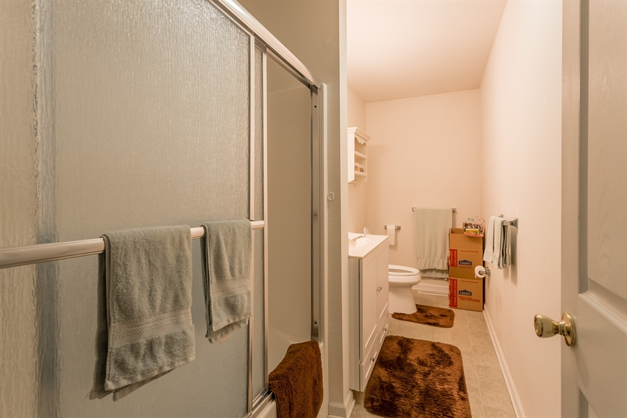 Real Estate Photography - 320 Clearbrooke Blvd, Seaford, DE, 19973 - HALL BATH