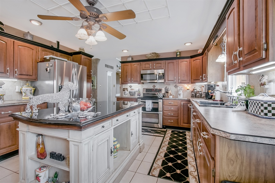 Real Estate Photography - 7 Bayberry Close, Newark, DE, 19711 - The Upgraded Kitchen Is A Chef's Delight!