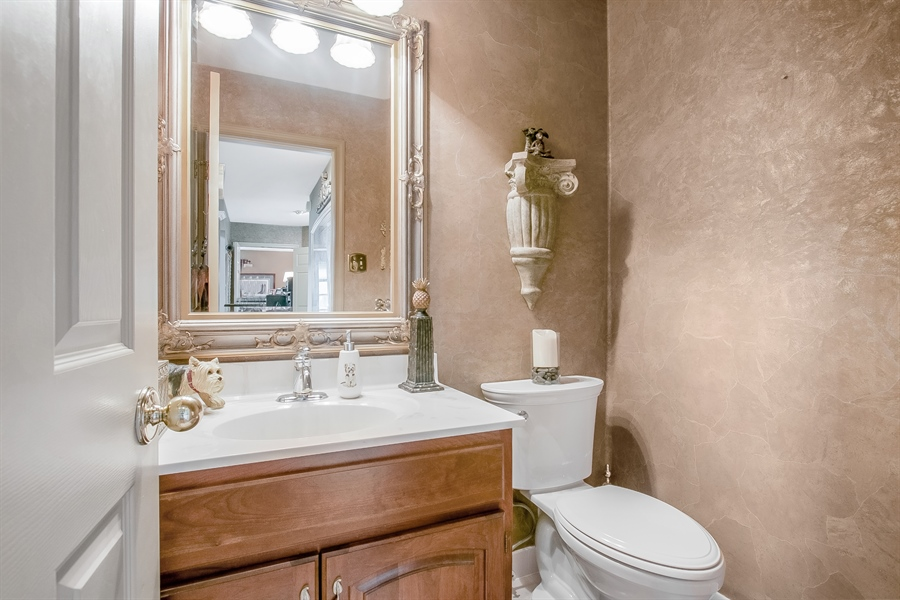 Real Estate Photography - 7 Bayberry Close, Newark, DE, 19711 - Pretty Powder Room