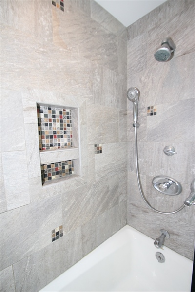 Real Estate Photography - 3 S Dillwyn Rd, Newark, DE, 19711 - Full Bath Tile