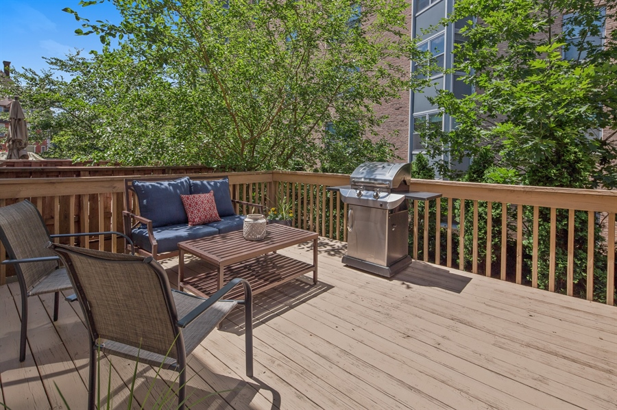 Real Estate Photography - 1411 N Franklin St, Wilmington, DE, 19806 - Spacious deck