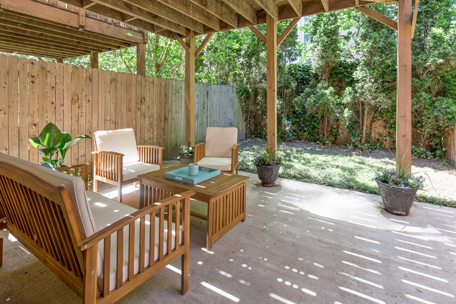 Real Estate Photography - 1411 N Franklin St, Wilmington, DE, 19806 - Another great outdoor space
