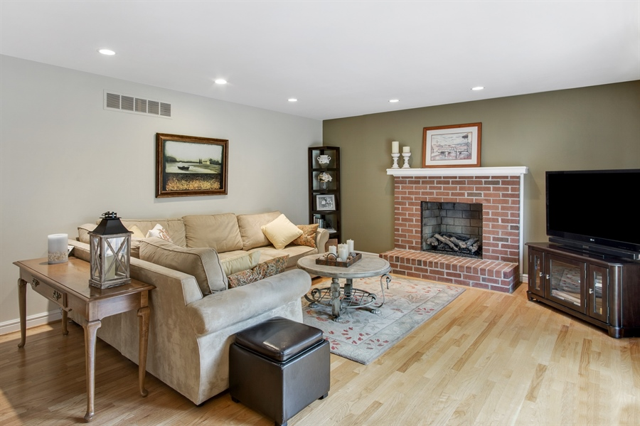 Real Estate Photography - 134 Country Flower Rd, Newark, DE, 19711 - FR w/Brick Raised Hearth Fireplace