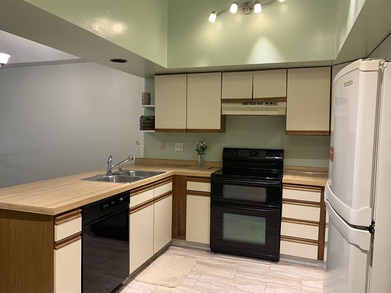 Real Estate Photography - 4603 Birch Cir, Wilmington, DE, 19808 - Kitchen