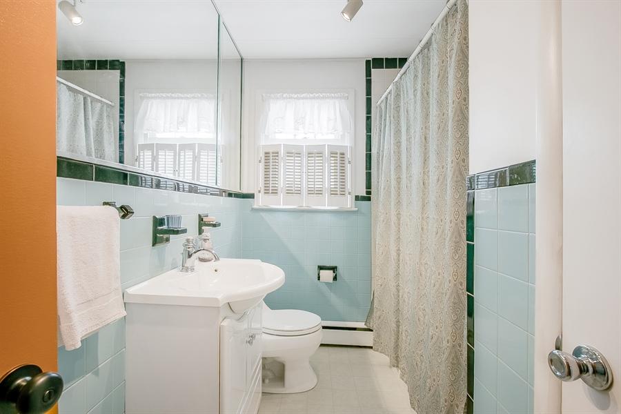 Real Estate Photography - 408 Milmar Rd, Wilmington, DE, 19804 - Hall Bath