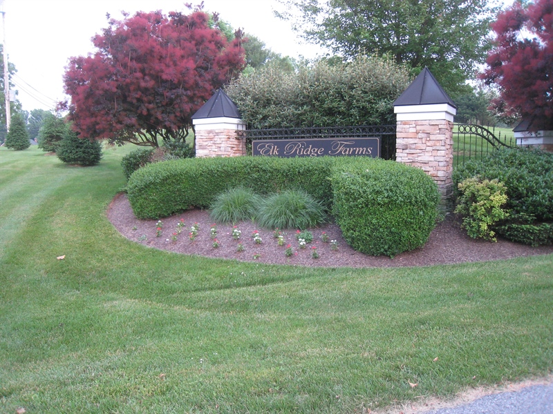 Real Estate Photography - 90 McCormick Way, Lincoln University, PA, 19352 - Community Entrance - Hurry Back!