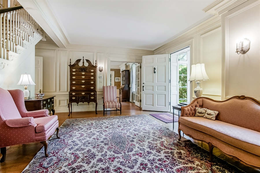 Real Estate Photography - 2000 Woodlawn Ave, Wilmington, DE, 19806 - Entry Hall
