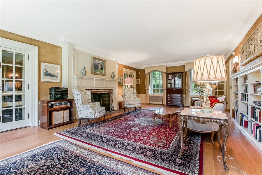 Real Estate Photography - 2000 Woodlawn Ave, Wilmington, DE, 19806 - Living Room