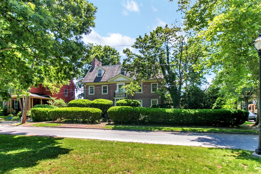 Real Estate Photography - 2000 Woodlawn Ave, Wilmington, DE, 19806 -