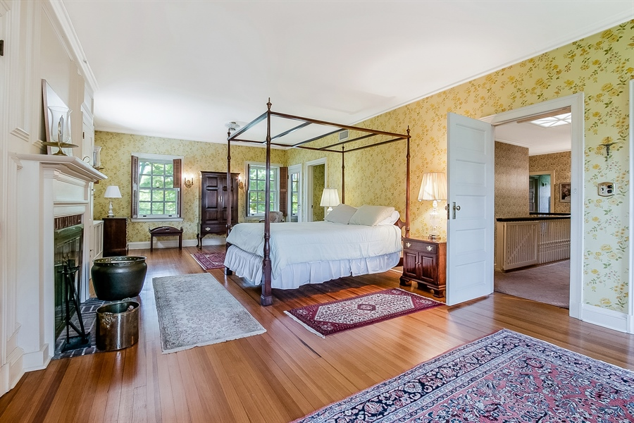 Real Estate Photography - 2000 Woodlawn Ave, Wilmington, DE, 19806 - Master Bedroom