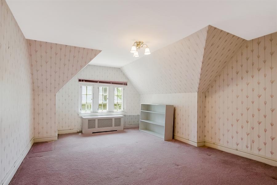 Real Estate Photography - 2000 Woodlawn Ave, Wilmington, DE, 19806 - Third Floor Bedroom
