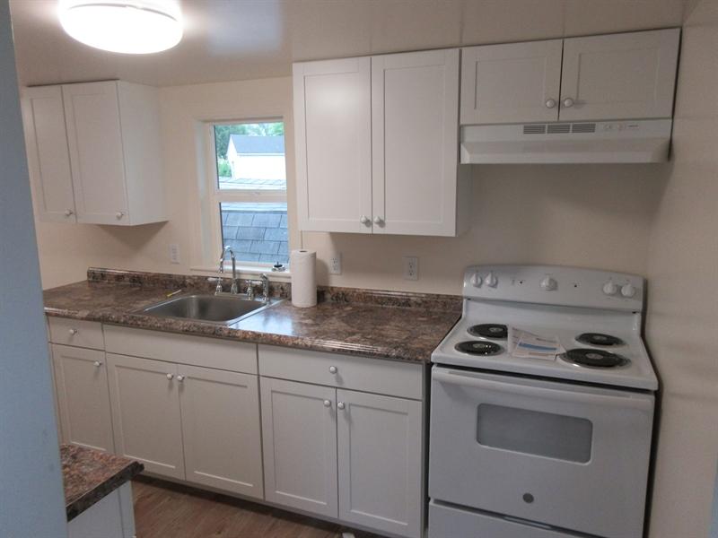 Real Estate Photography - 103 West Ave, New Castle, DE, 19720 - Kitchen