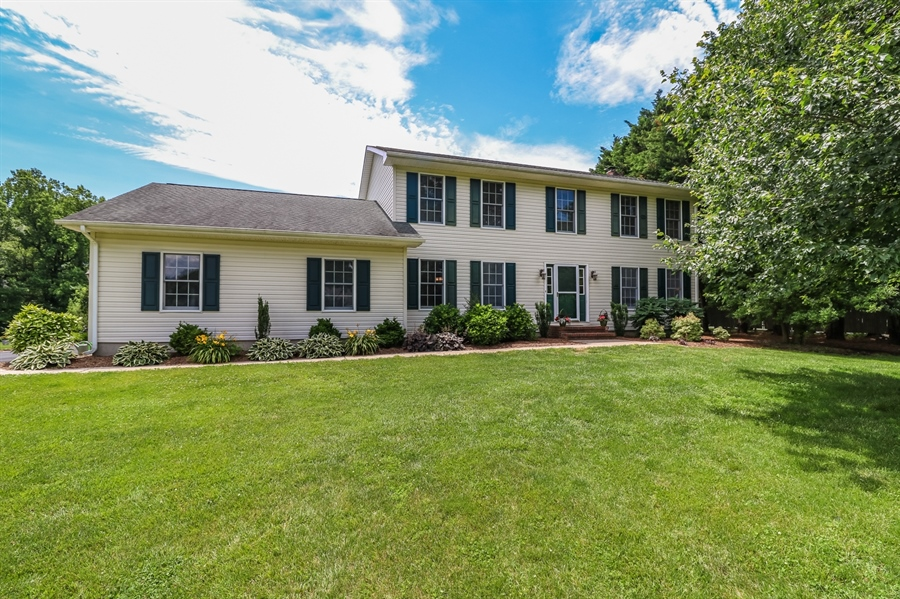 Real Estate Photography - 406 Meadow Ln, Middletown, DE, 19709 - Location 1