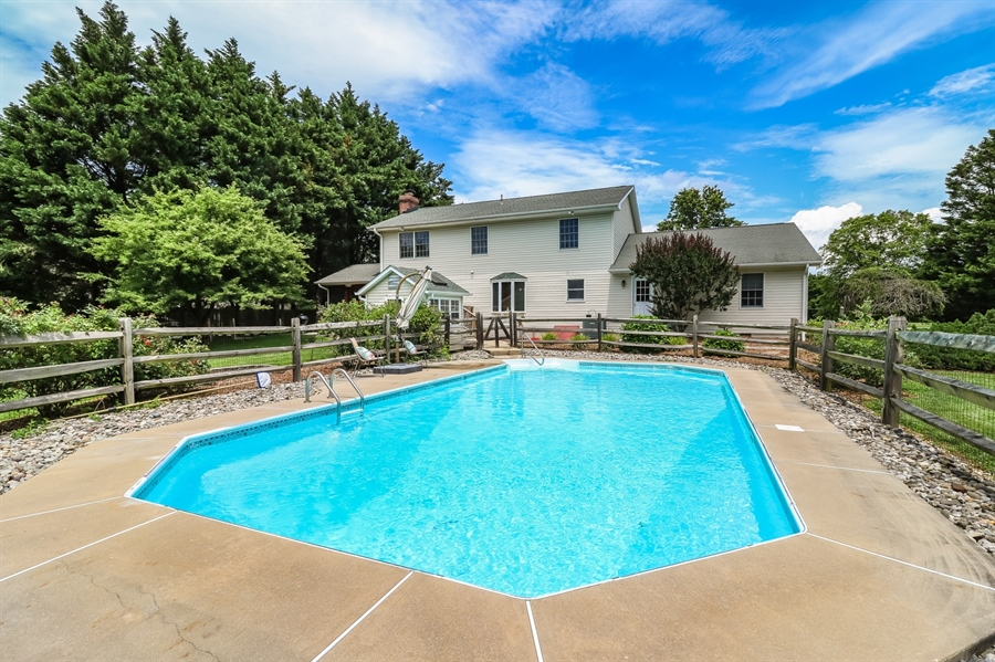 Real Estate Photography - 406 Meadow Ln, Middletown, DE, 19709 - gorgeous inground pool