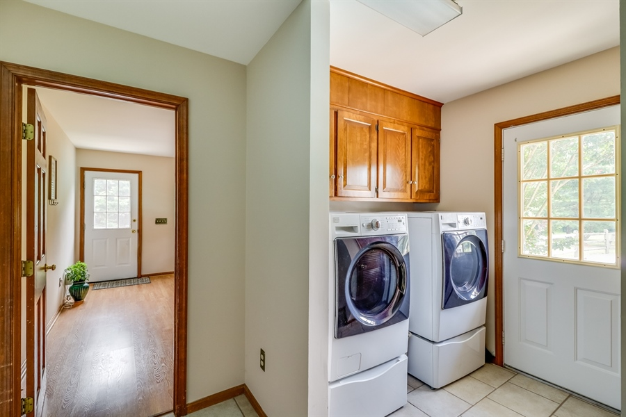 Real Estate Photography - 406 Meadow Ln, Middletown, DE, 19709 - Main floor laundry