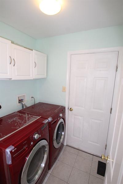 Real Estate Photography - 6 Hargrove Ct, Newark, DE, 19702 - Main Floor Laundry