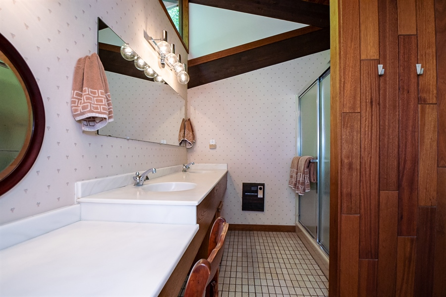 Real Estate Photography - 3319 Breidablik Dr, Greenville, DE, 19807 - Master Bath