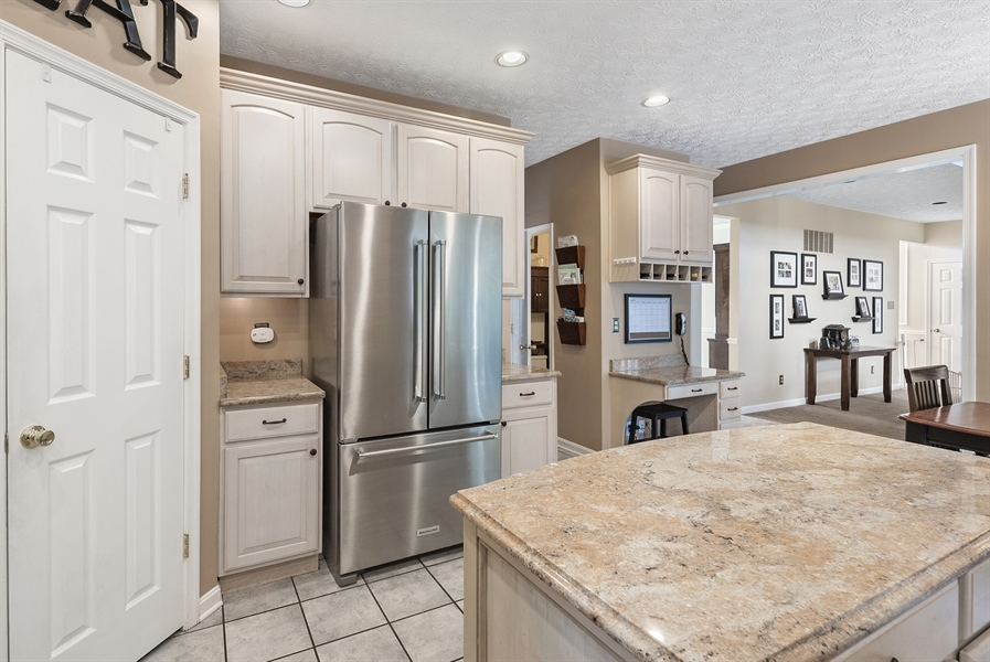 Real Estate Photography - 63 Grey Fox Dr, Elkton, MD, 21921 - FULL EAT IN KITCHEN