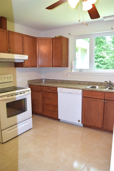 Real Estate Photography - 2907 Duncan Rd, Wilmington, DE, 19808 - Kitchen