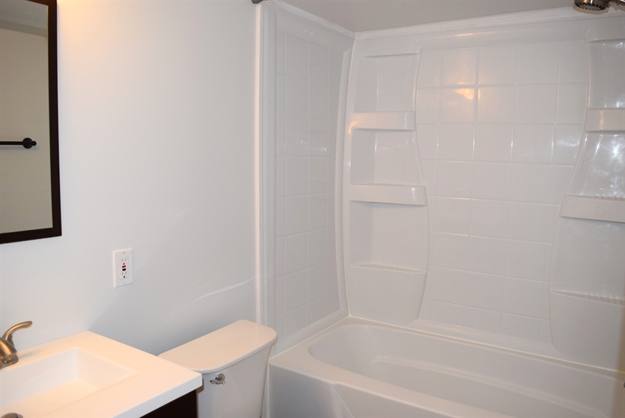 Real Estate Photography - 2907 Duncan Rd, Wilmington, DE, 19808 - Full Bathroom