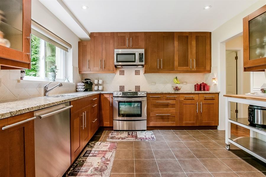 Real Estate Photography - 2 Walnut Ridge Rd, Greenville, DE, 19807 - Beautiful Tile Floor & Cabinets