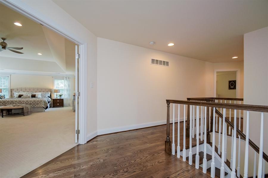 Real Estate Photography - 131 Ayrshire Dr, Landenberg, PA, 19350 - Upstairs Hallway