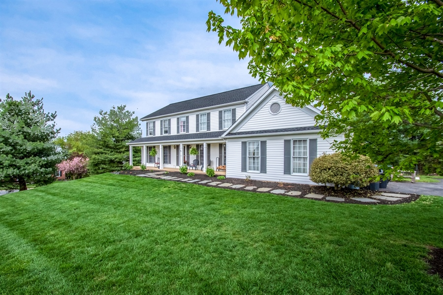 Real Estate Photography - 2 Vireo Cir, Newark, DE, 19711 - Welcome Home-on CulDeSac with Relaxing Front Porch