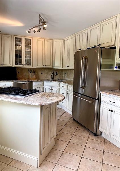 Real Estate Photography - 906 N Bancroft Pkwy, Wilmington, DE, 19805 - SS Appliances