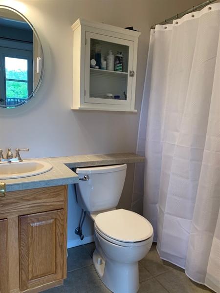 Real Estate Photography - 906 N Bancroft Pkwy, Wilmington, DE, 19805 - Master Bathroom