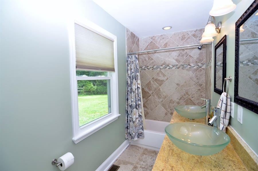 Real Estate Photography - 312 S Dupont Rd, Wilmington, DE, 19805 - Beautifully Updated Full Bath