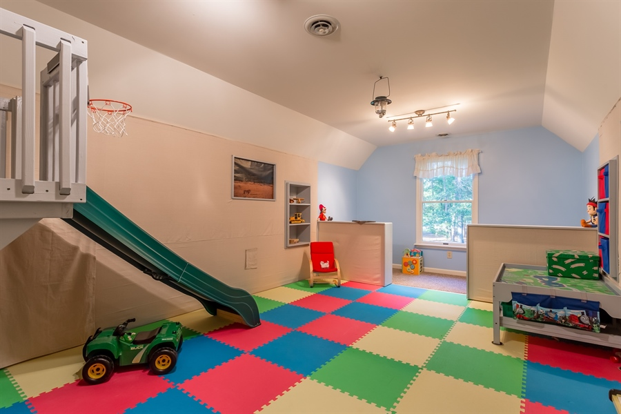Real Estate Photography - 2 Blue Heron Dr, Georgetown, DE, 19947 - upstairs playroom