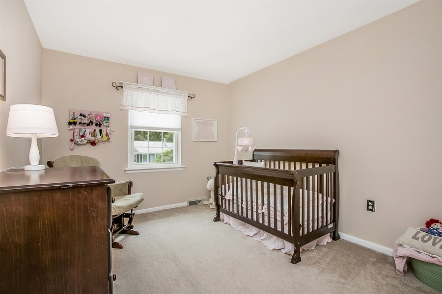 Real Estate Photography - 104 E Green Valley Cir, Newark, DE, 19711 - Second Bedroom, Nicely Sized!