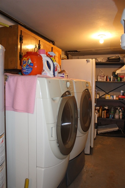 Real Estate Photography - 1212 Winstead Rd, Wilmington, DE, 19803 - Laundry room