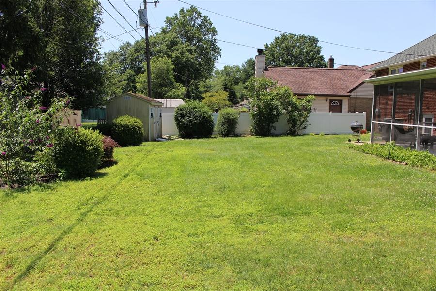 Real Estate Photography - 1212 Winstead Rd, Wilmington, DE, 19803 - Spacious backyard