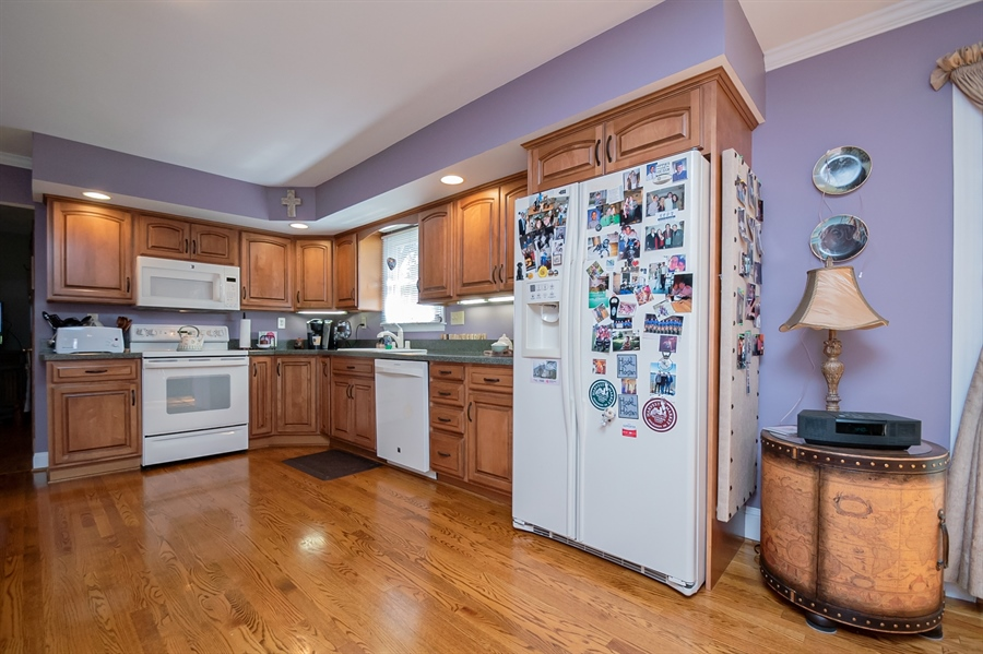 Real Estate Photography - 318 Mitchell Dr, Wilmington, DE, 19808 - Large updated ktichen