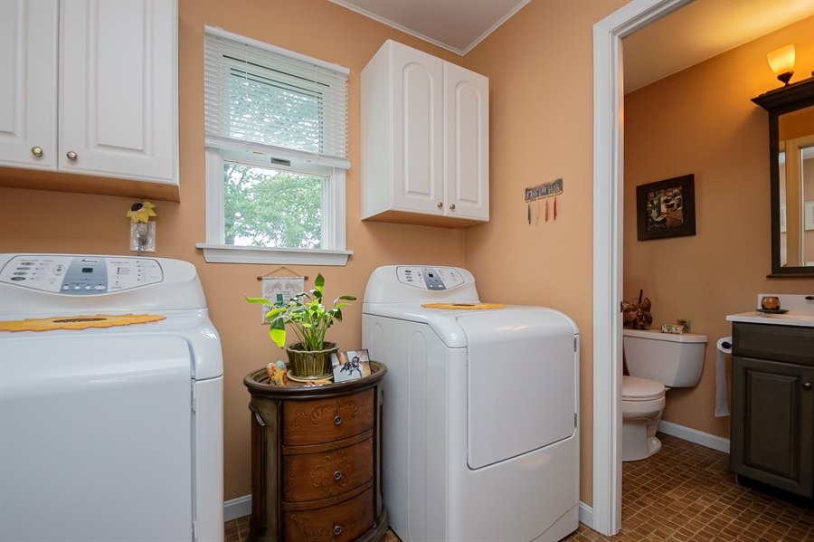 Real Estate Photography - 318 Mitchell Dr, Wilmington, DE, 19808 - Laundry Room