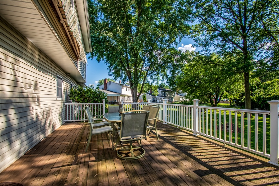 Real Estate Photography - 318 Mitchell Dr, Wilmington, DE, 19808 - 25X15 Deck