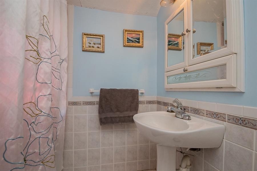 Real Estate Photography - 3112 W Court Ave, Claymont, DE, 19703 - Full Bath