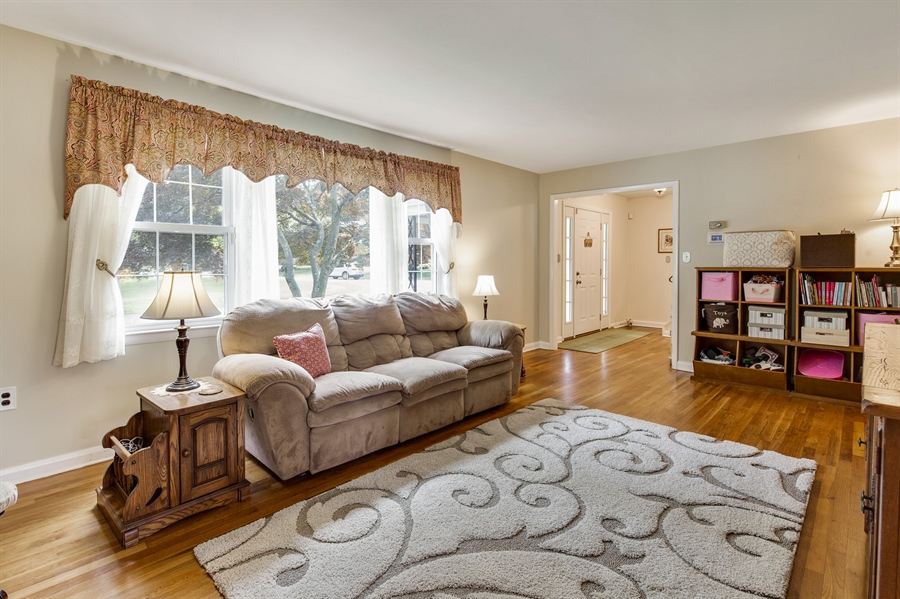 Real Estate Photography - 2515 Raven Rd, Wilmington, DE, 19810 - Loads of natural light